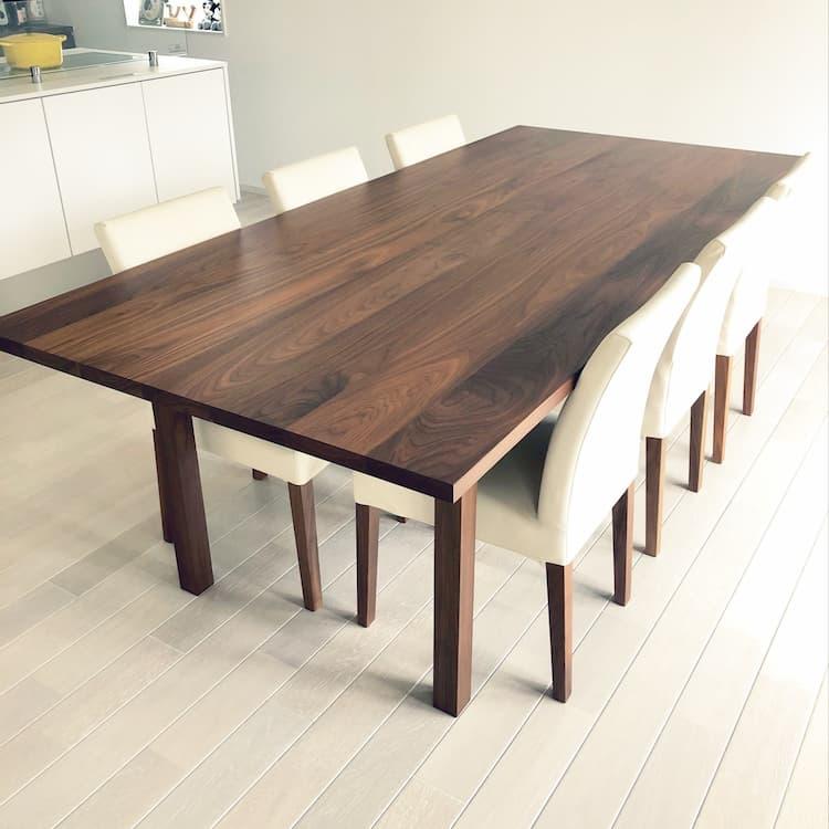 住友林業平屋の広めのダイニングテーブル